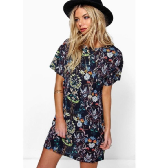 find lowest price limpid in sight elegant and graceful BooHoo Navy Floral T-Shirt Dress NWT